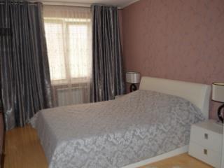Продажа квартир: 3-комнатная квартира, Ставропольский край, Пятигорск, ул. Нежнова, 56, фото 1