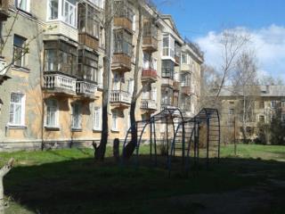 Продажа квартир: 3-комнатная квартира, Алтайский край, Рубцовск, Октябрьская ул., 106А, фото 1