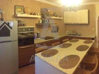 Продажа квартир: 3-комнатная квартира, Тюменская область, Тюмень, Заречный проезд, 86А, фото 1