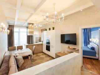 Продажа квартир: 2-комнатная квартира, Краснодарский край, Сочи, Красная ул., фото 1