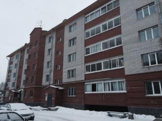 Продажа квартир: 2-комнатная квартира, Пермский край, Краснокамск, ул. Чапаева, 44, фото 1
