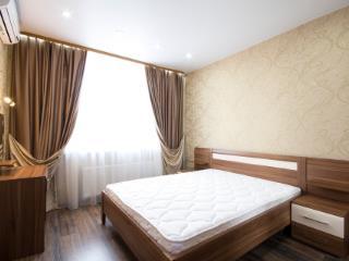 Аренда квартир: 2-комнатная квартира, Екатеринбург, ул. Шейнкмана, 88, фото 1