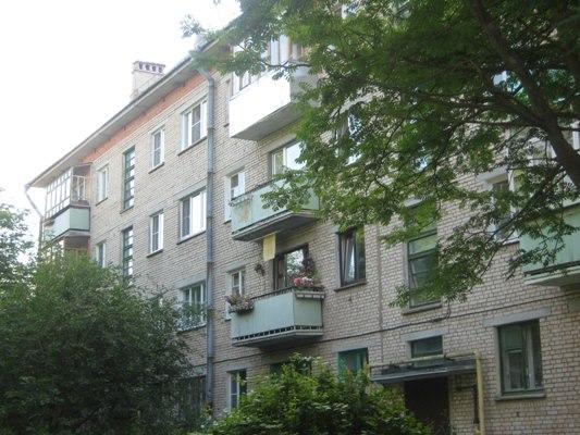 Продажа квартир: 1-комнатная квартира, Калужская область, Жуковский р-н, Белоусово, ул. Гурьянова, 29, фото 1