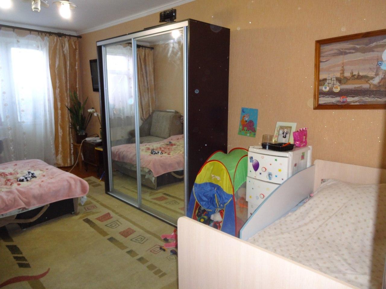 Продажа квартир: 3-комнатная квартира, Ленинградская область, Кингисепп, Большая Советская ул., 20, фото 1