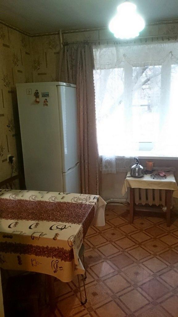 Продается четырехкомнатная квартира за 2 100 000 рублей. Ростовская обл, г Батайск, ул М.Горького.