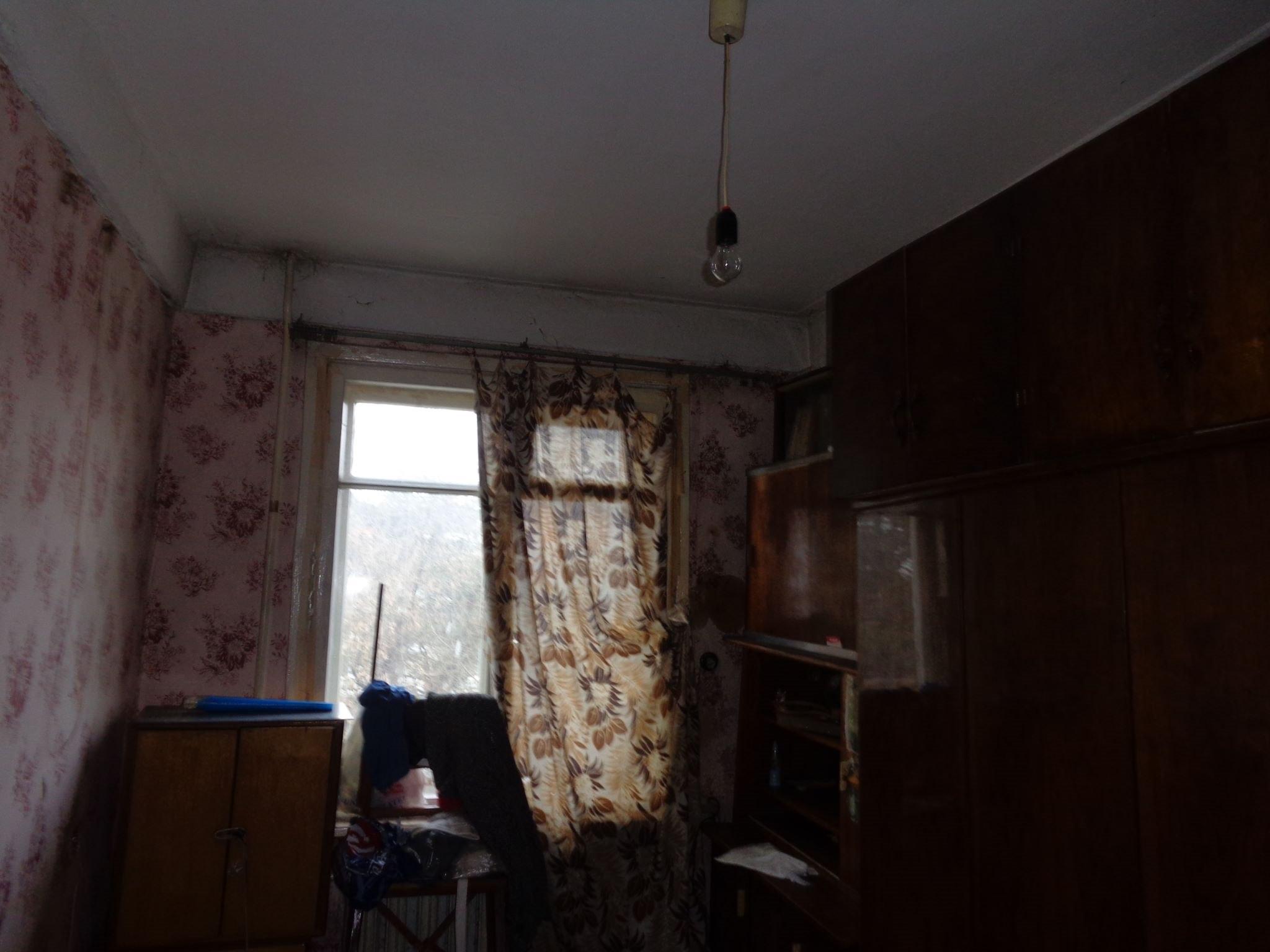 Продается трехкомнатная квартира за 1 650 000 рублей. Ленинградская обл, г Луга, мкр Городок.